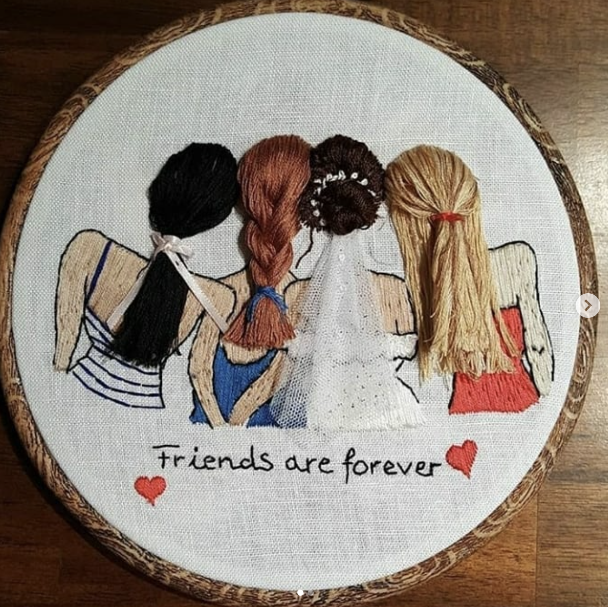 Moony-Craft-wedding-friends